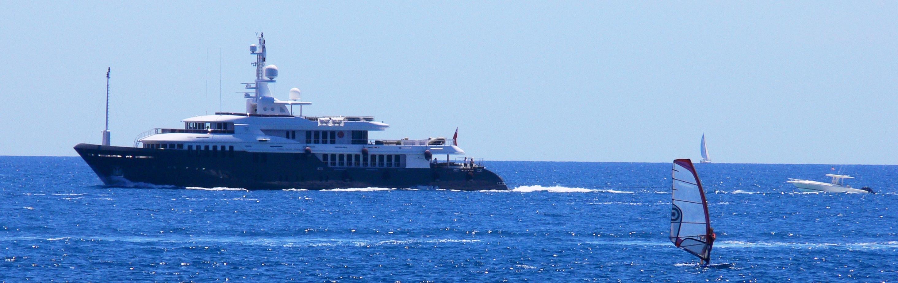 yacht-leo-fun